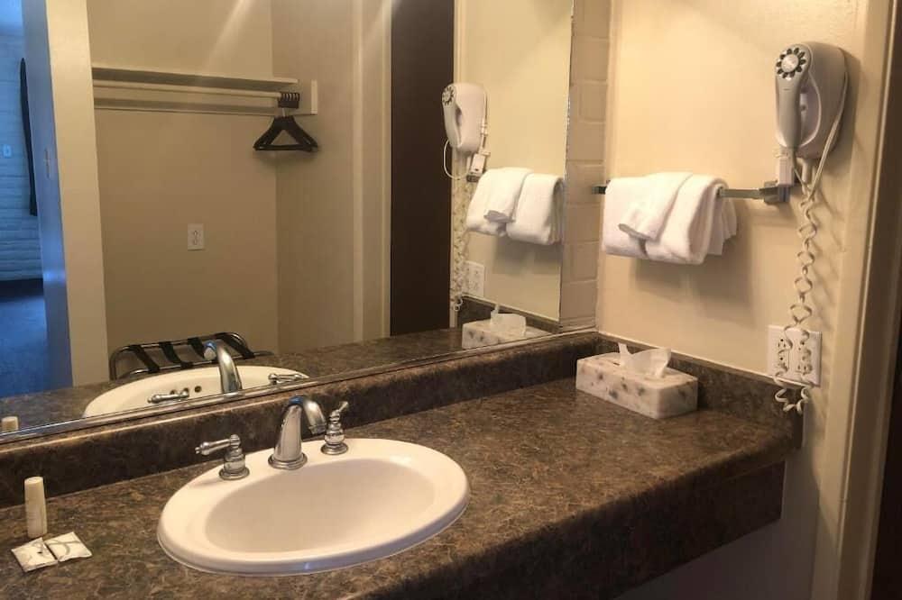 Номер категорії «Комфорт», 1 ліжко «кінг-сайз» - Ванна кімната