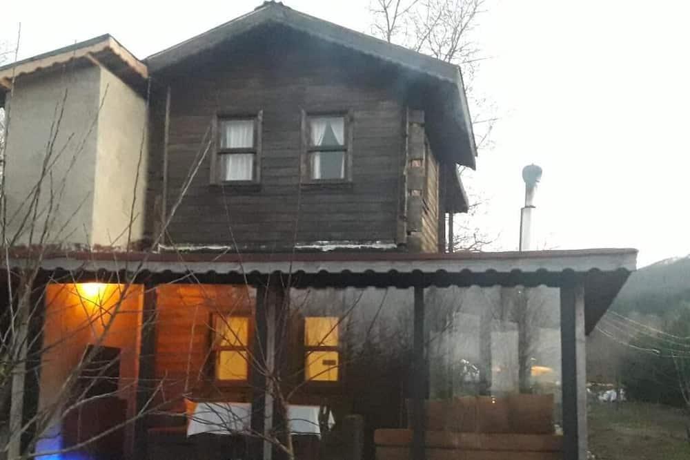 Vira Garden House