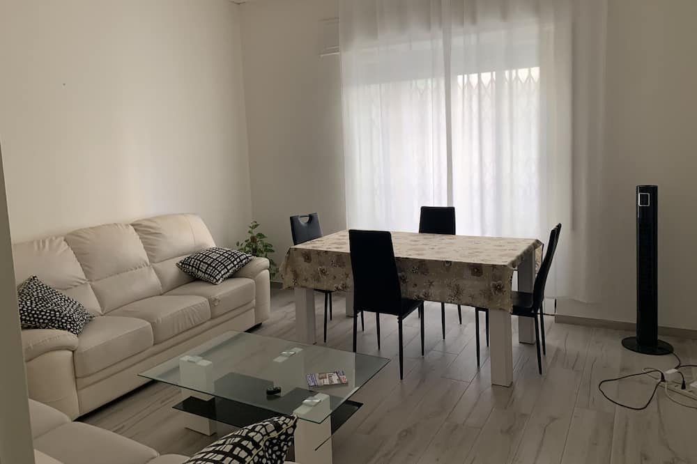 Standard Apartment, 2 Bedrooms, 2 Bathrooms, Ground Floor - Ruang Tamu