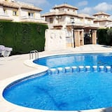 Lovely 3 Bed Family Holiday Home in Orihuela Costa
