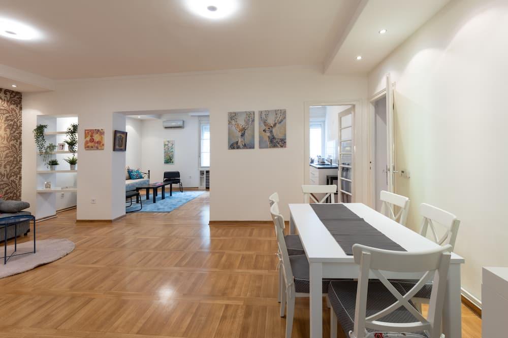 Appartement Deluxe - Restauration dans la chambre