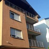 Inviting Very Nice 3-bed Family Apartment in Niš