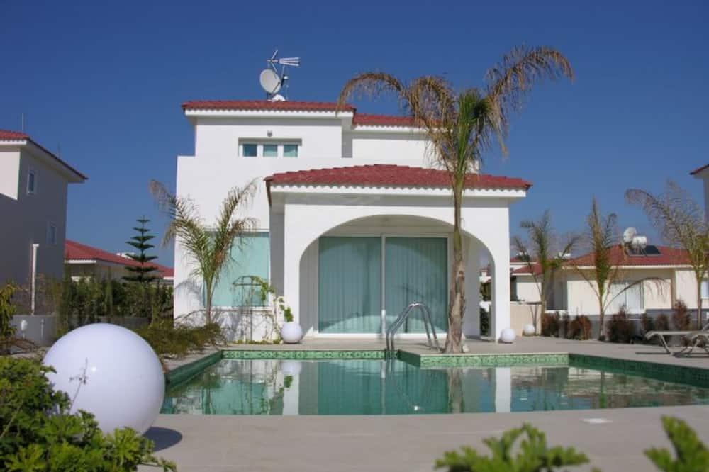 5 Star Villa for Rent in Cyprus, Sotira Villa 1335