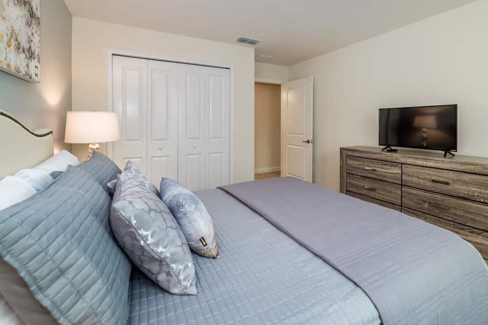 Beautiful Townhome on Storey Lake Resort, Orlando Townhome 4897