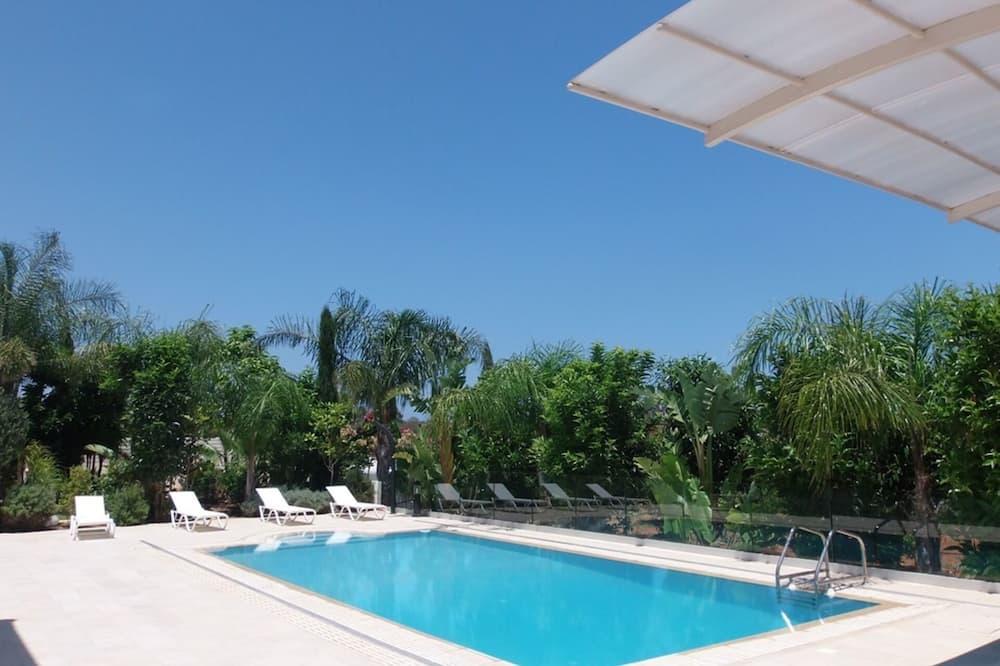 Cyprus Villa Minutes From the Beach, Protaras Villa 1227