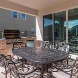Luxury Contemporary Style Villa on Encore Resort at Reunion, Orlando Villa 4397