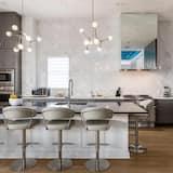 Rent This Luxury 5 Star Villa on Reunion Resort and Spa, Orlando Mansion 4736