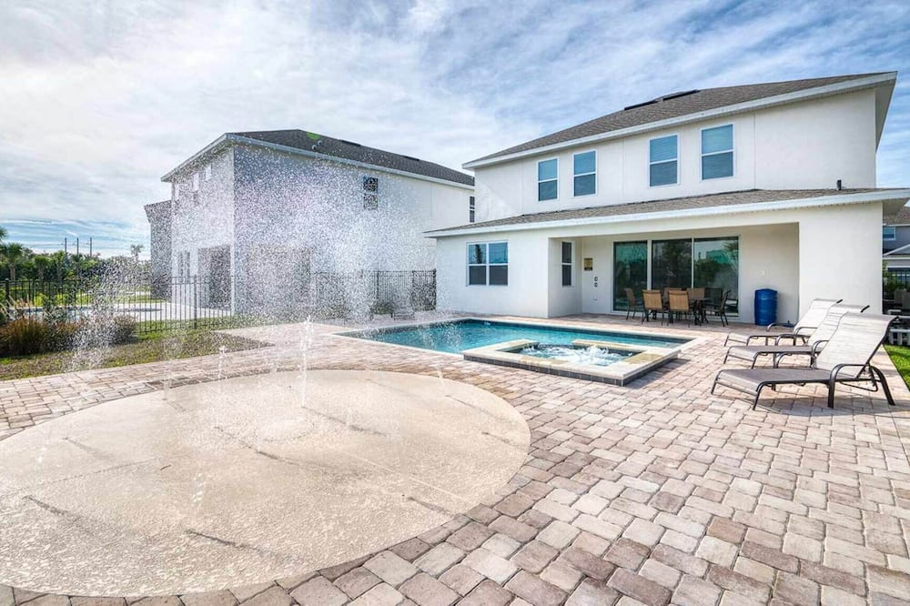 Rent Your Own Orlando Villa With Large Private Pool on Encore Resort at Reunion, Orlando Villa 4492
