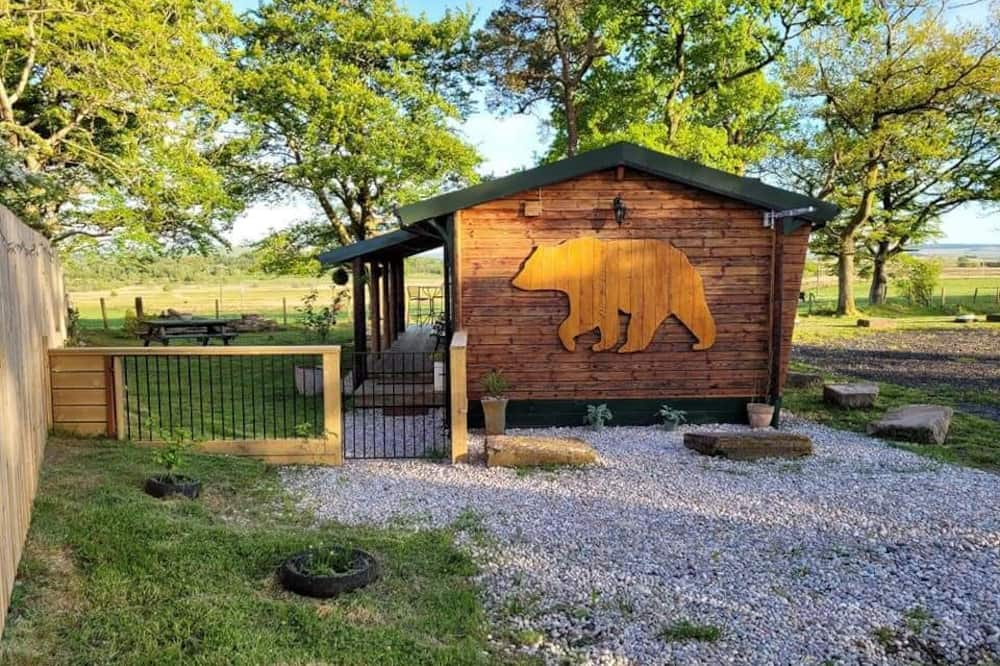 Cosy Wood Cabin Near National Parks in Rural Area