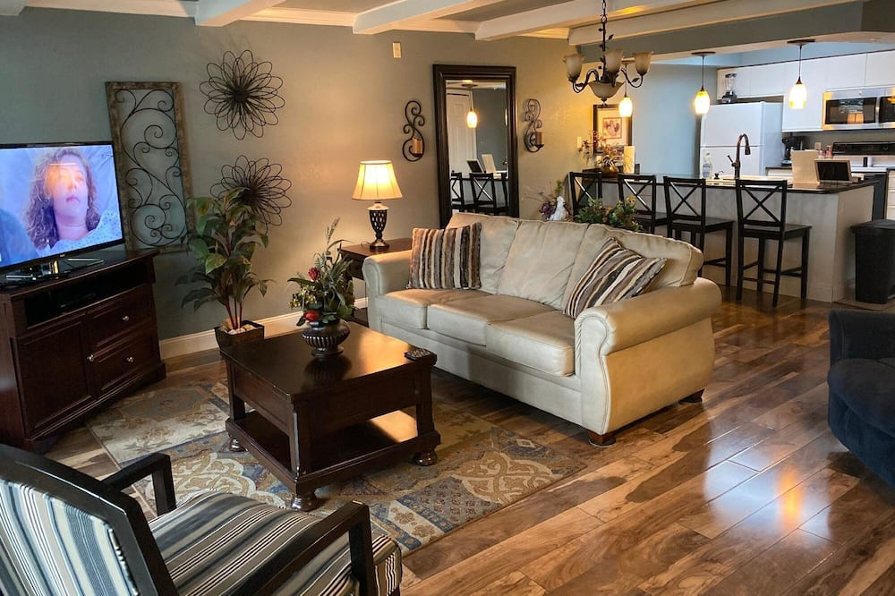 Club A-5 in Branson With 2 Bedrooms and 2 Bathrooms