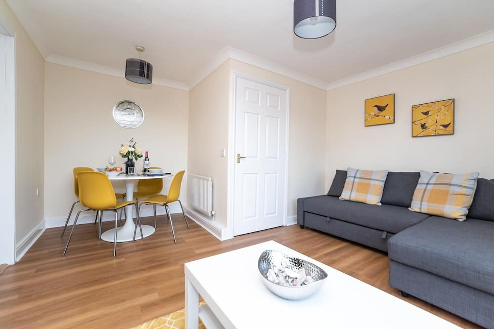 Beautiful 3 Bed House With Great Motorway Access Close to City Centre