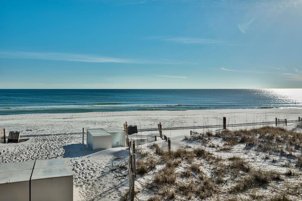 House, Multiple Beds (Shane and Nina's Crystal Destiny) - Beach