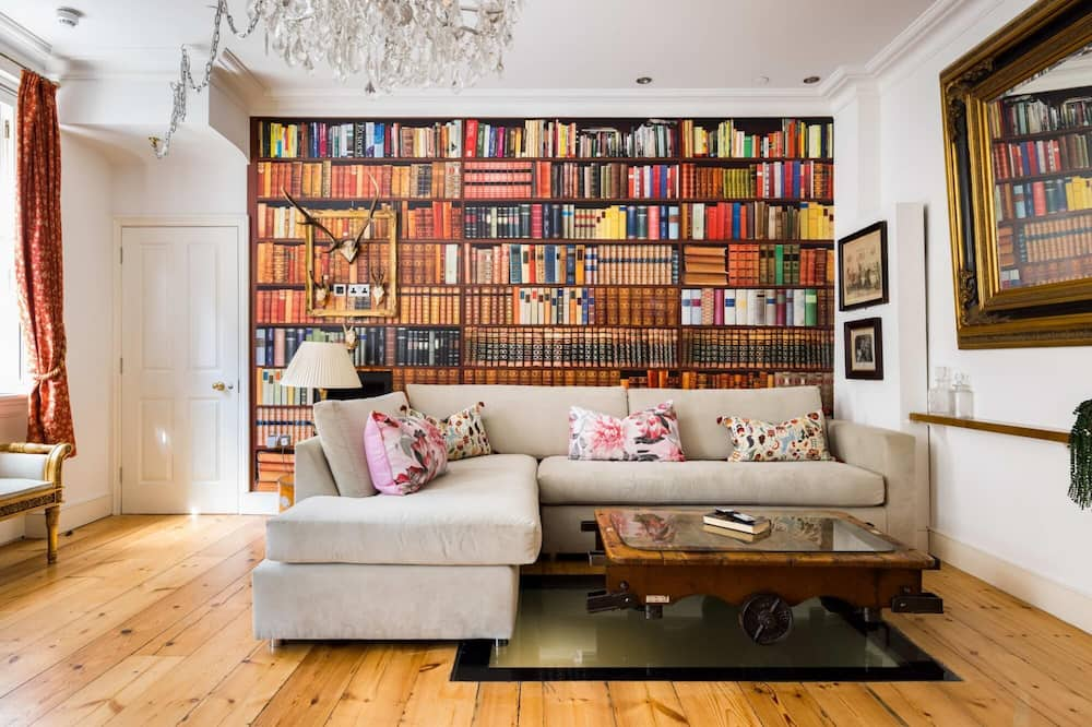 British Museum - Sherlock s 3 Bedroom Apartment