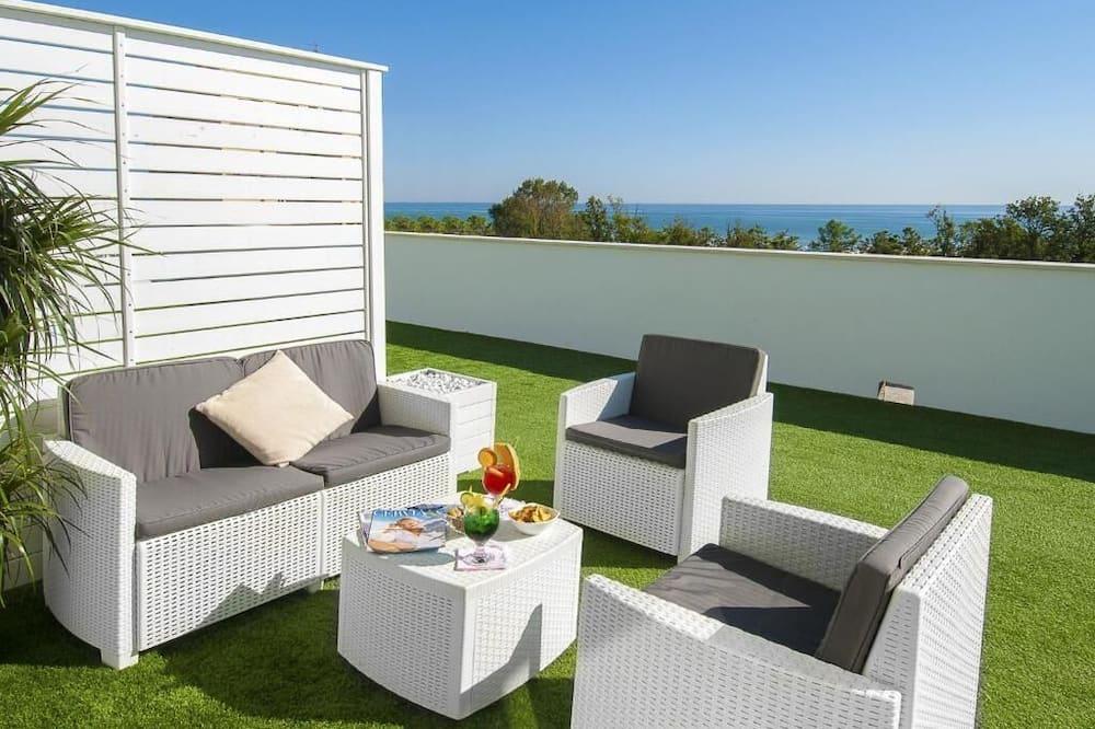 Junior Room, Sea View - Balcony