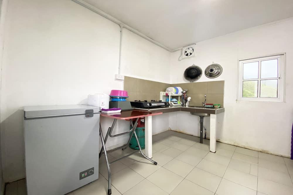 Izba, súkromná kúpeľňa - Spoločná kuchyňa
