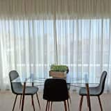 Panoramic Apartment, 1 Bedroom, City View - Living Area