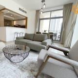 Apartment, 1 Bedroom (Unit 504) - Living Area