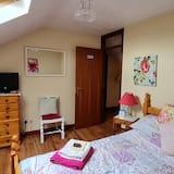 Breathtaking 8-bed Chalet in Antrim, Antrim
