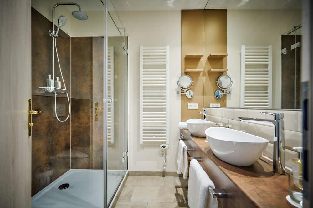 ห้องดีไซน์ดับเบิล, เตียงควีนไซส์ 1 เตียง, ห้องน้ำส่วนตัว - ห้องน้ำ
