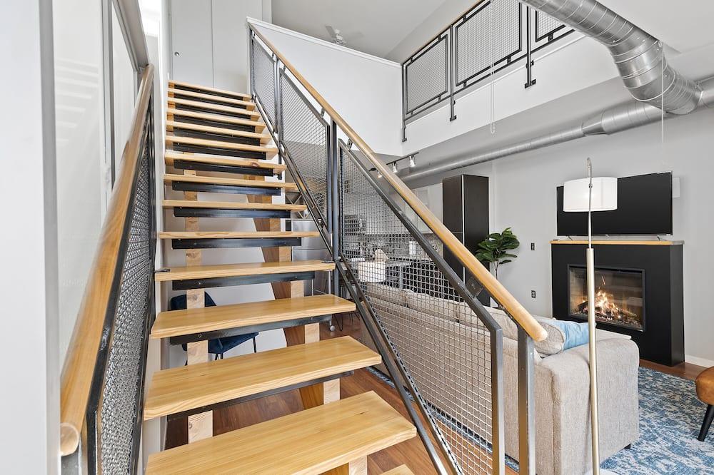 City Loft, 1 Bedroom, Non Smoking, Balcony - Living Area