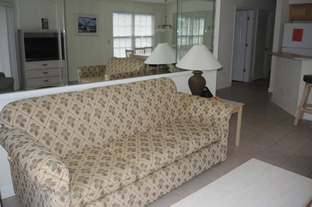 3007 2 Bedroom Villa