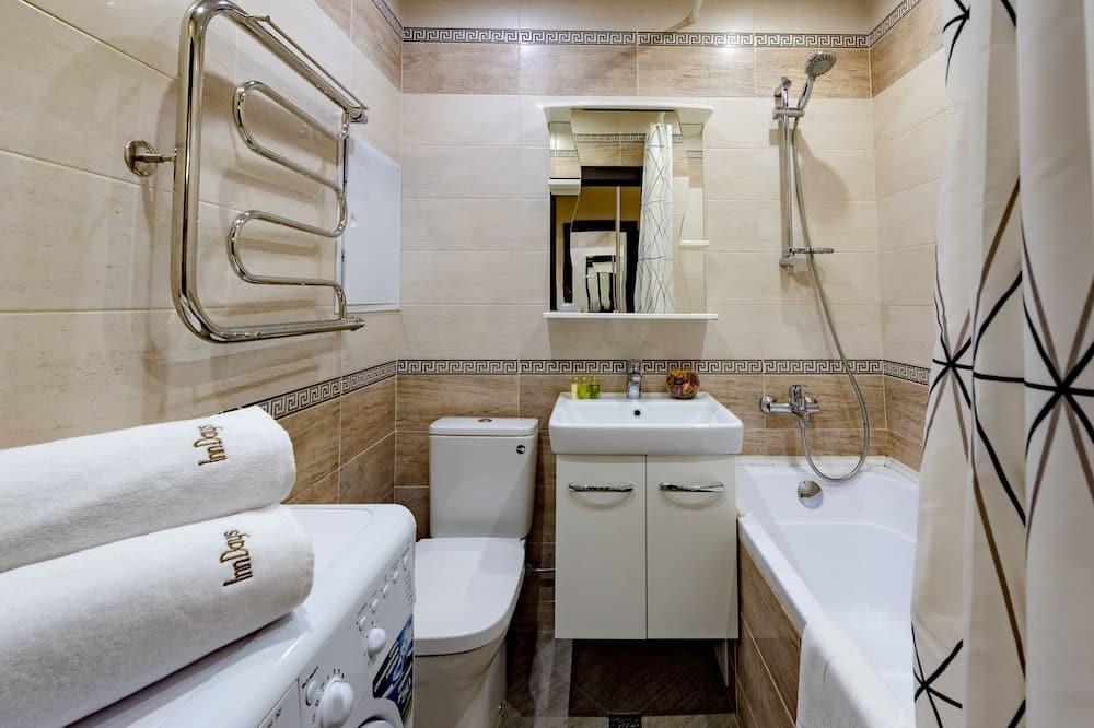 Classic Cabin - Bathroom