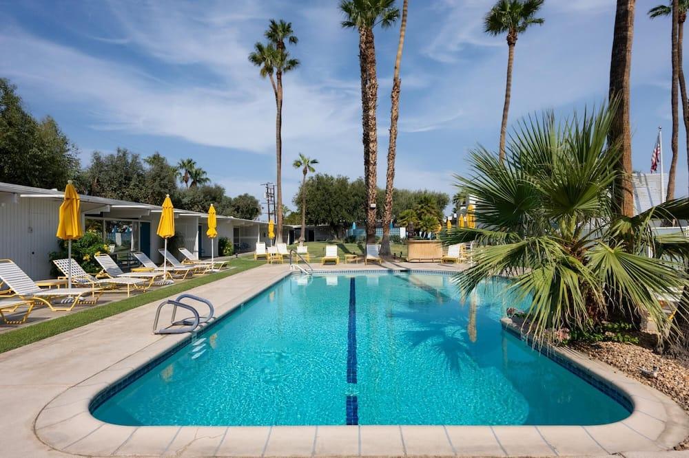 Monkey Tree Hotel 6 in Palm Springs, Palm Springs