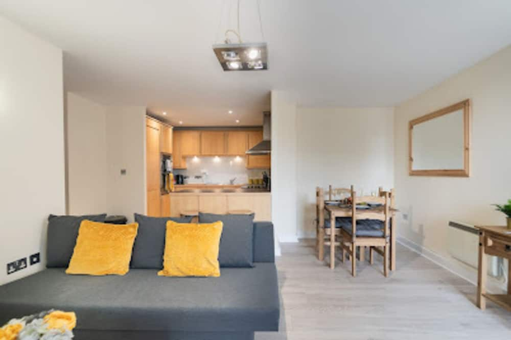 Remarkable 2-bed Apartment in Southampton