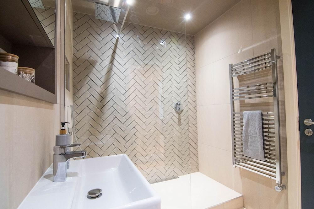 Luxury Διαμέρισμα, Μπάνιο στο δωμάτιο, Θέα στον Κήπο (King's 39) - Μπάνιο