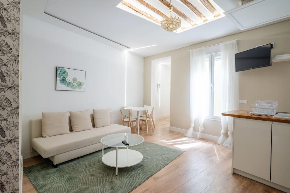 ベーシック アパートメント ベッド (複数台) - リビング ルーム