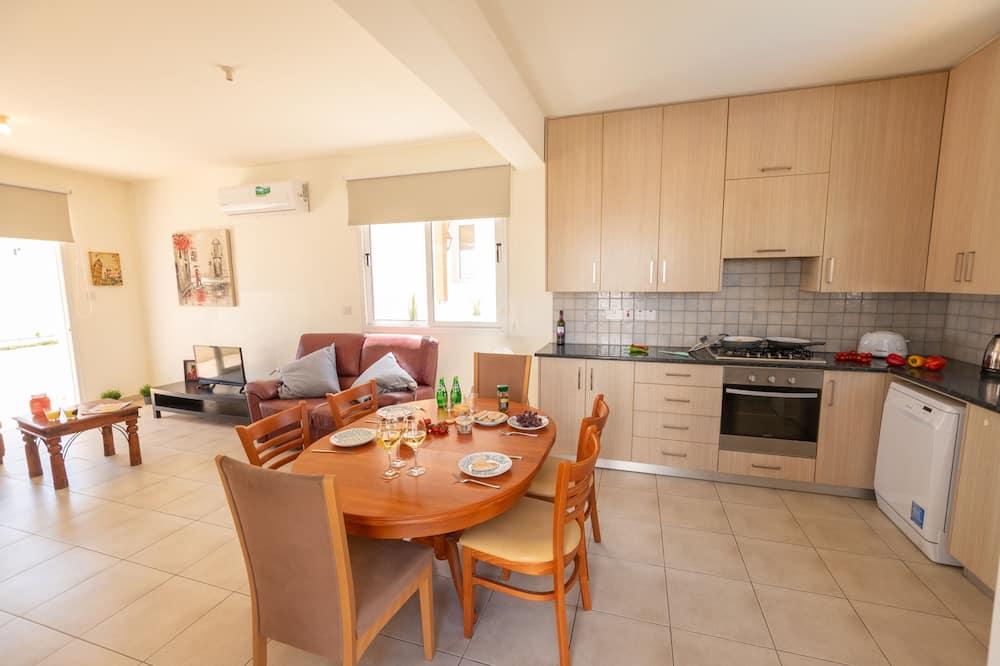 Basic Villa - In-Room Dining