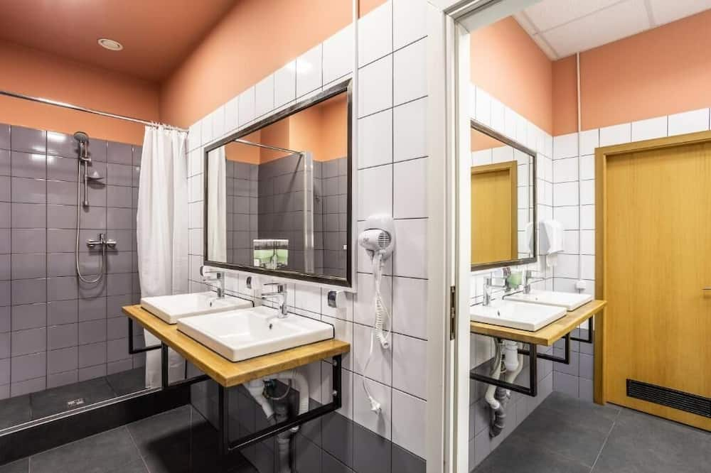 Comfort Shared Dormitory, Mixed Dorm, Non Smoking, City View - Shared bathroom