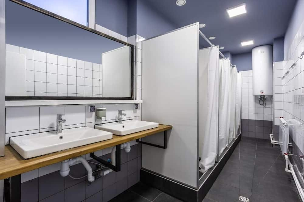 Comfort Shared Dormitory, Men only - Shared bathroom