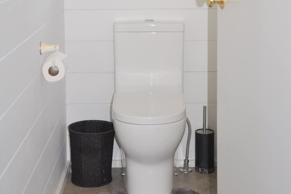 Family House - Bathroom