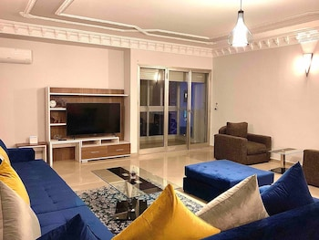 Фото Large and Comfy 2 Bedrooms Sunny, Well Located in Downtown Great Views у місті Касабланка