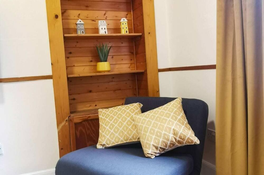 Basic-Apartment, 1Doppelbett und Schlafsofa - Wohnzimmer