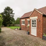 The Cottage, Wormald Green