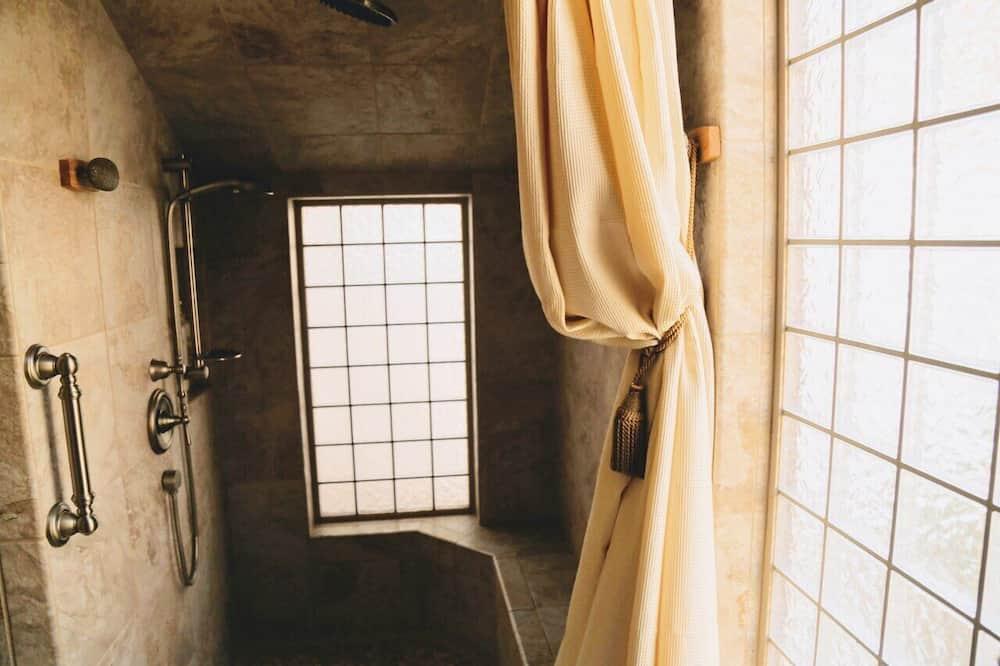 Standard House, Non Smoking (Carriage) - Bathroom