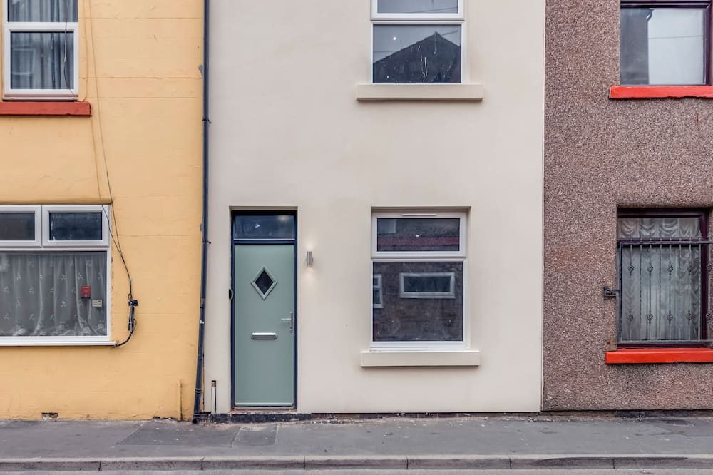 House, Private Bathroom - Exterior
