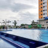 Cozy Stay 2Br At Green Pramuka City Apartment Near Mall