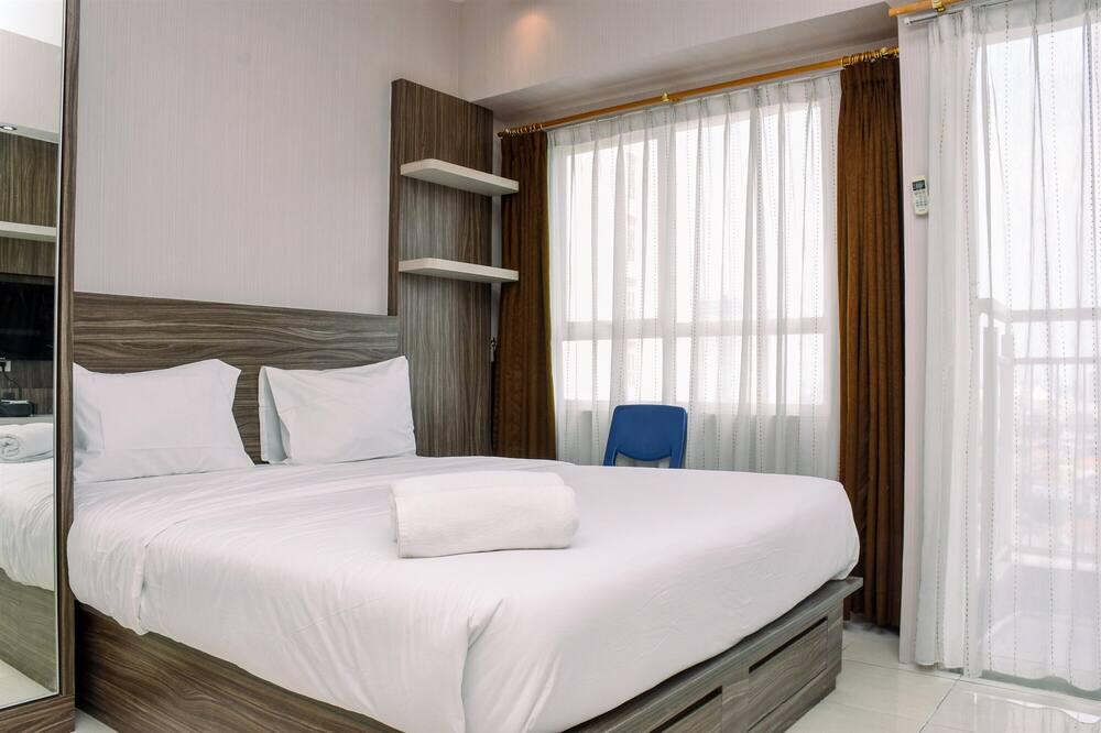 Homey And Simple Studio Apartment At Taman Melati Margonda