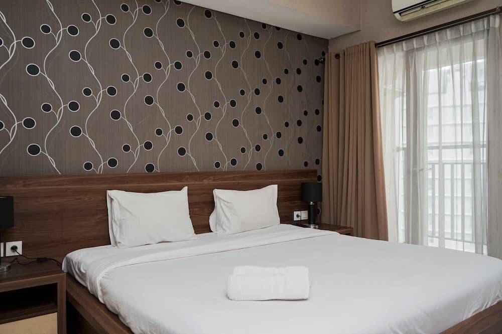 Comfy Studio Apartment Atria Residences Near Summarecon Mall Serpong