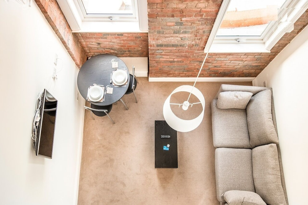 Grand Apartment, 1 Bedroom, City View - Living Area