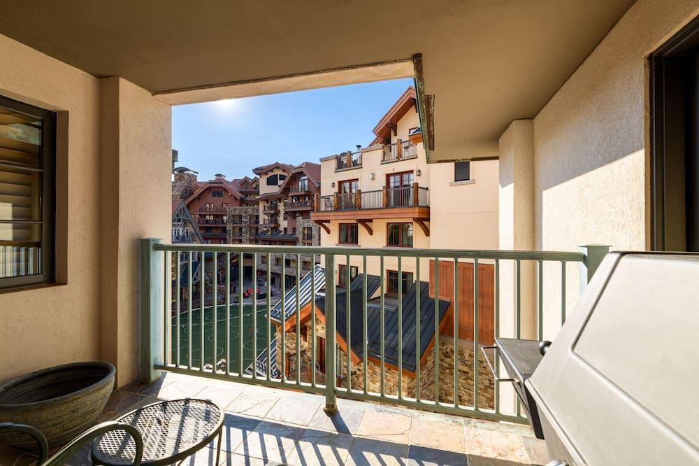 Apartamento em Condomínio Fechado, 4 Quartos - Varanda