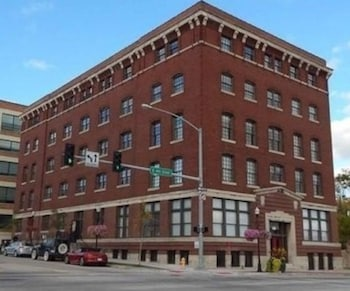Picture of 4th Street Condos By Barsala in Davenport