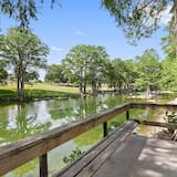 Condo (New Upscale Riverfront and Pet Friend) - Property Grounds