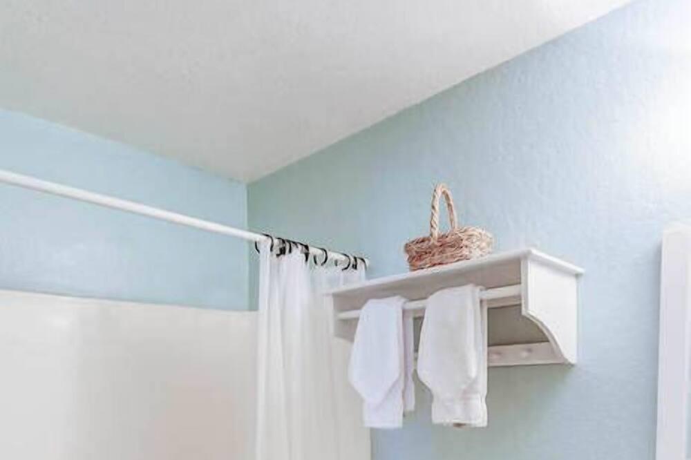 Condo, 1 Queen Bed, Hot Tub, Mountain View - Bathroom