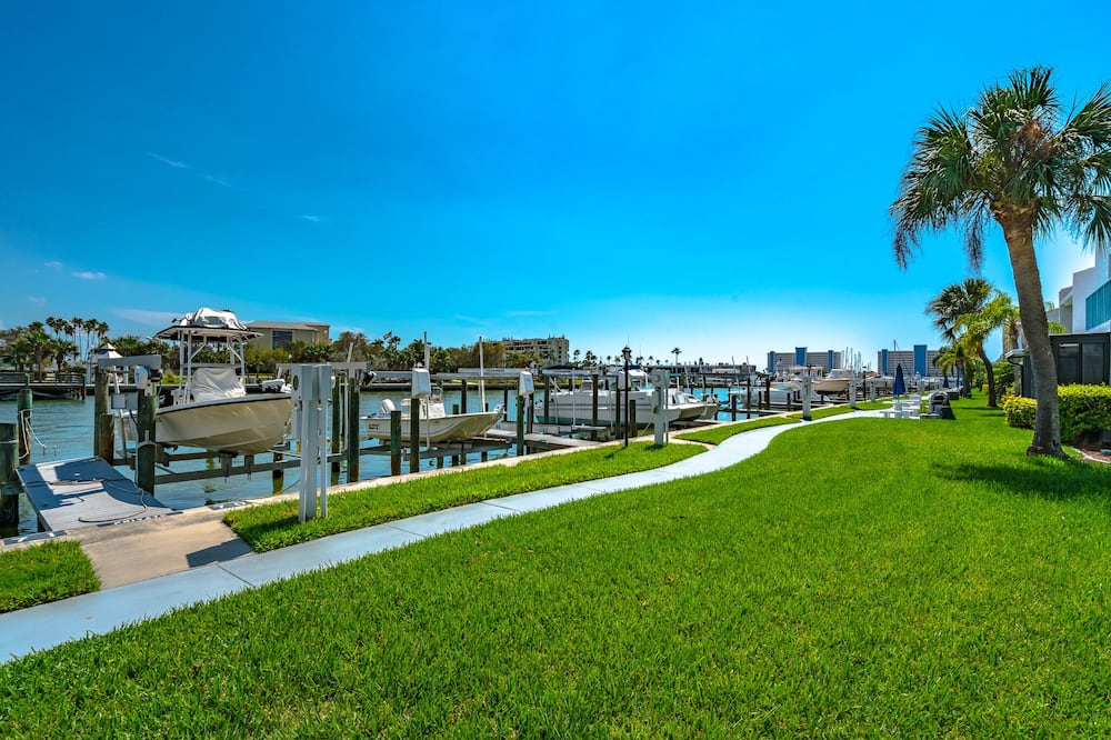Condo (Madeira Beach Yacht Club 215F) - Property Grounds
