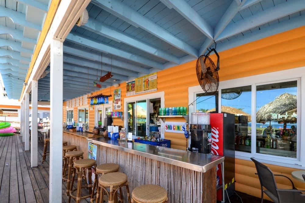 Condo (Madeira Beach Yacht Club 215F) - Pool