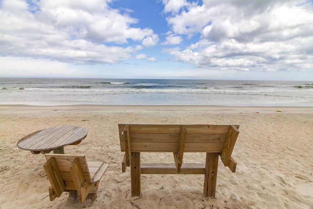 House (Sunshine Beach) - Beach